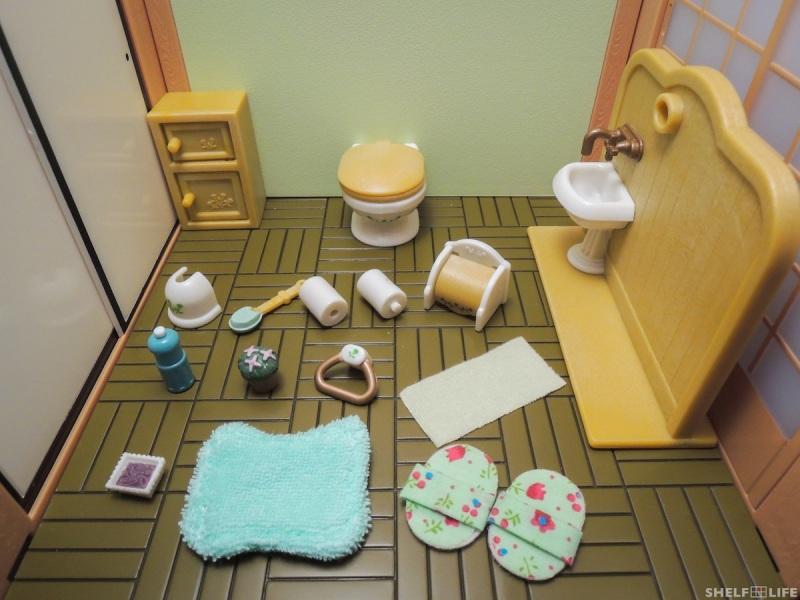 Sylvanian Families Toilet Set Contents