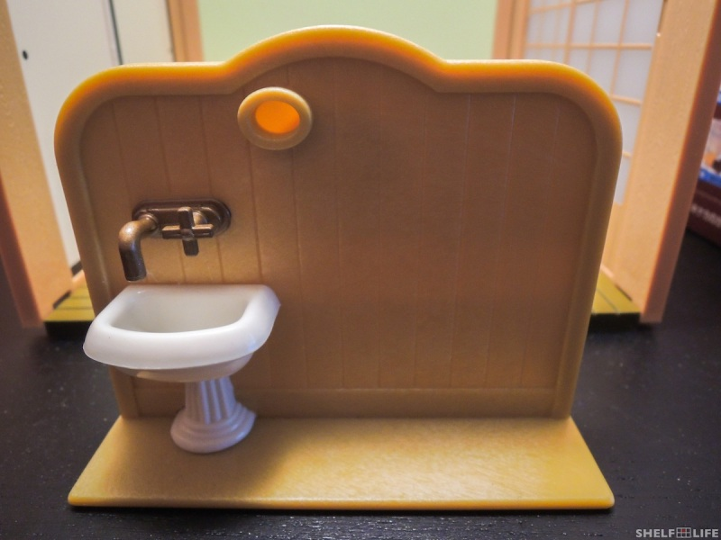 Sylvanian Families Toilet Set Partition and Sink