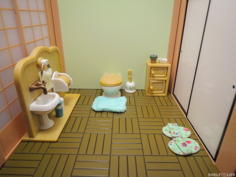 Sylvanian Families Toilet Set Room