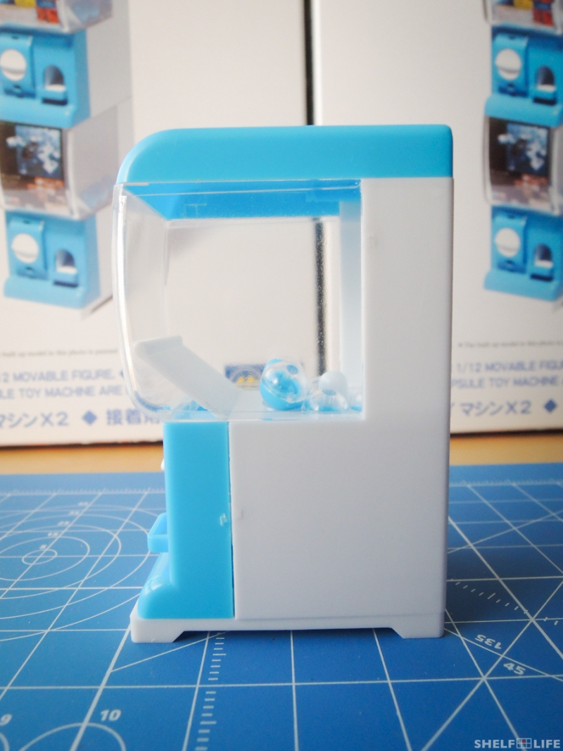 1/12 Capsule Toy Machine - Left