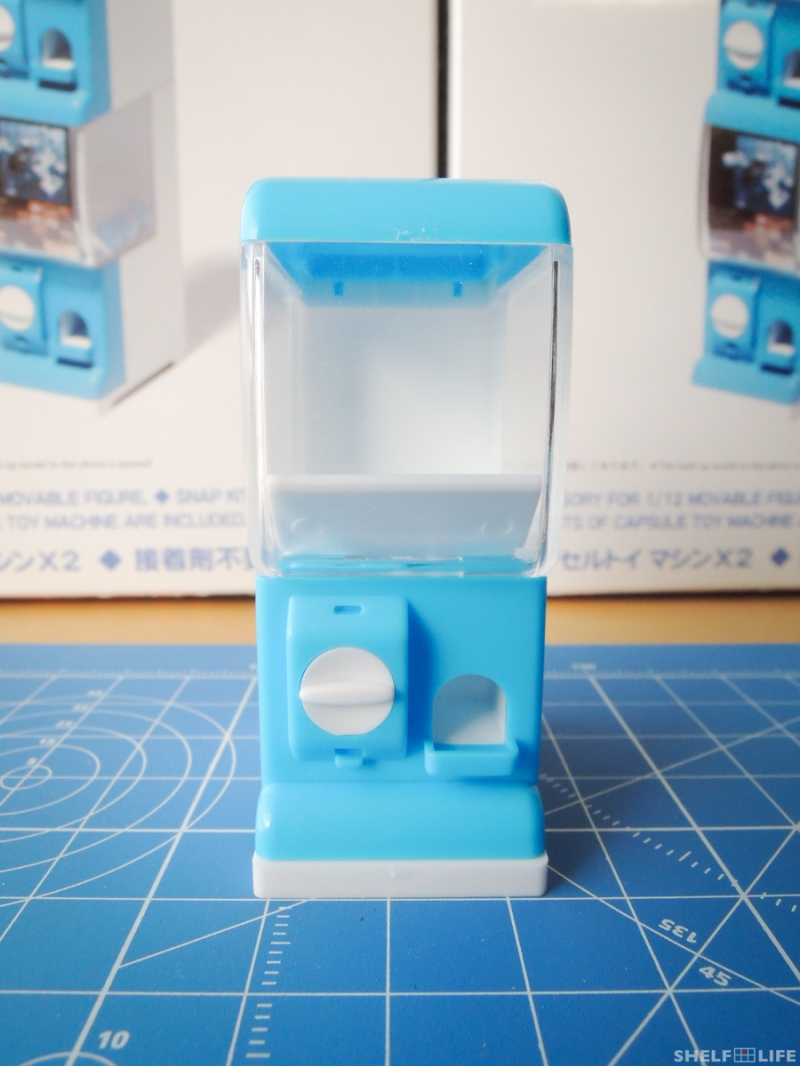 1/12 Capsule Toy Machine - Front