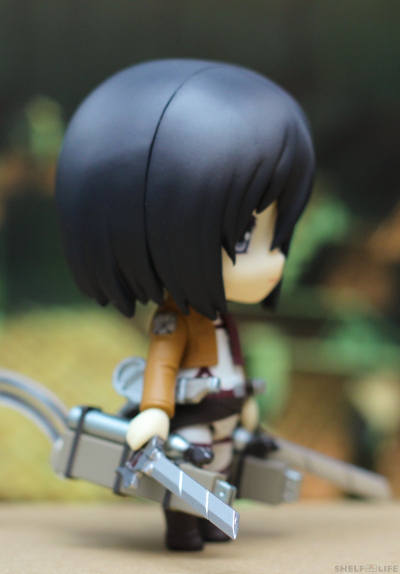 Nendoroid Mikasa - 3DMG Equip and Blades Side