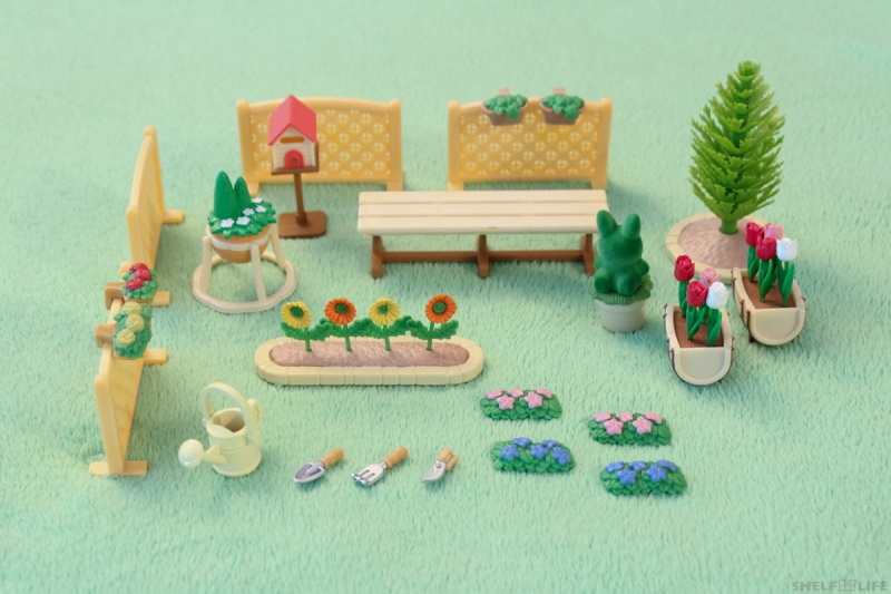 Sylvanian Families Garden Set Contents