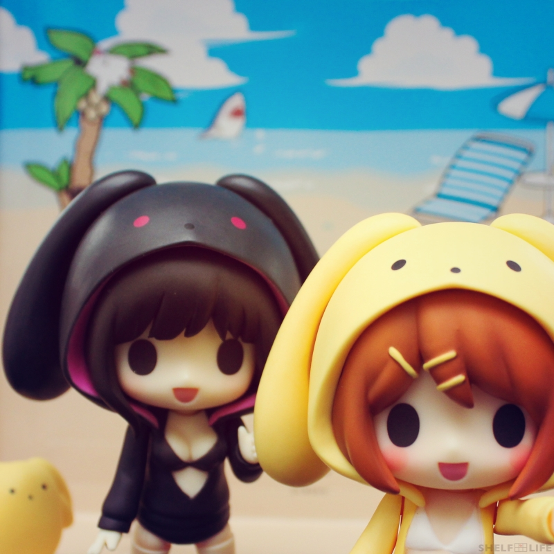 Rin and Ren Beach - Hoodies