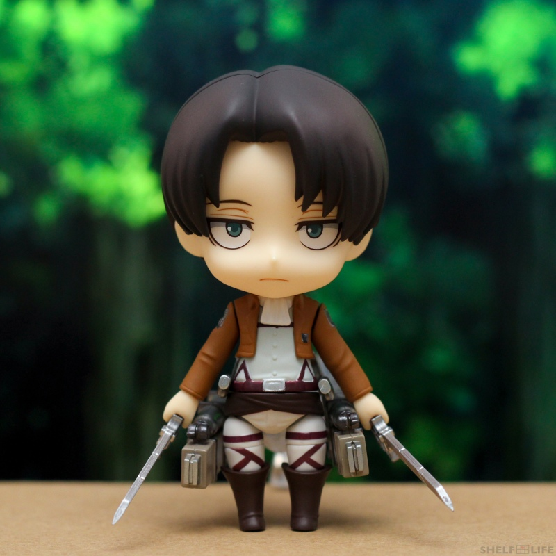 Nendoroid Levi - Front with maneuver gear