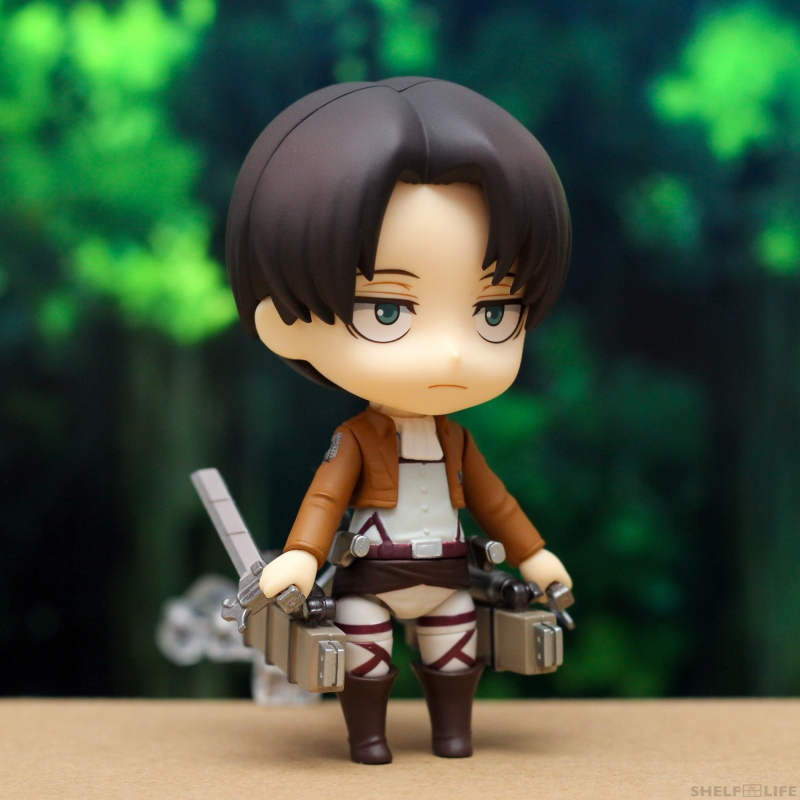 Nendoroid Levi - Holding blades backwards
